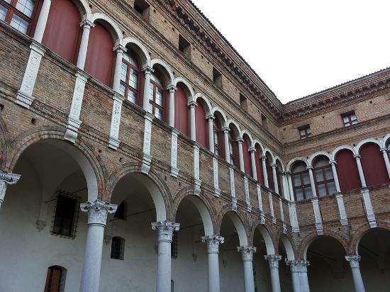 Palazzo di Ludovico il Moro (Palazzo Costabili)