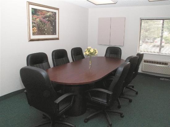 La Quinta Inn Columbus Dublin: meeting room
