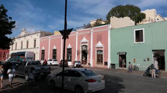El Meson del Marques: Restaurant fasade towards the main square