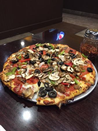 Pizanos Pizza Downtown Reno