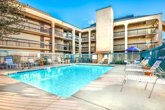 Days Inn & Suites Albuquerque North: Pool