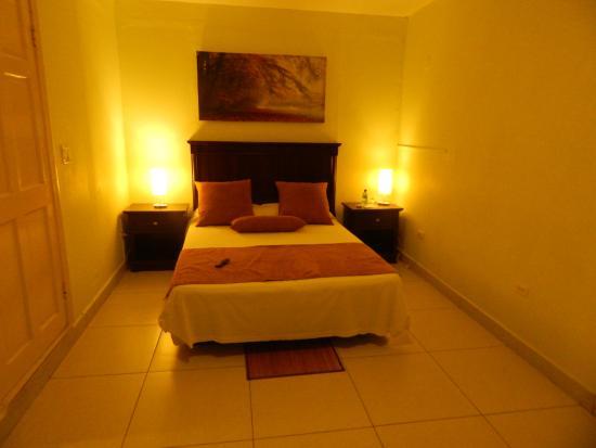 Allamanda Hotel : Bed