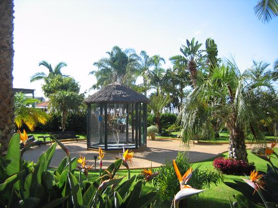 Porto Mare Hotel (Porto Bay): Volière dans les jardins