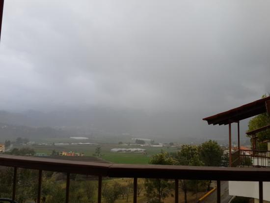 Altocerro Villas, Hotel & Camping : Agradable temperatura