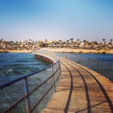 Port Ghalib Resort: Strand vom Steeg aus