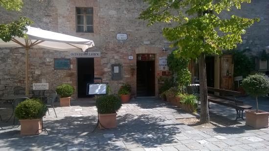 Esterno/ingresso della Locanda. - Foto di Locanda del Loggiato ...
