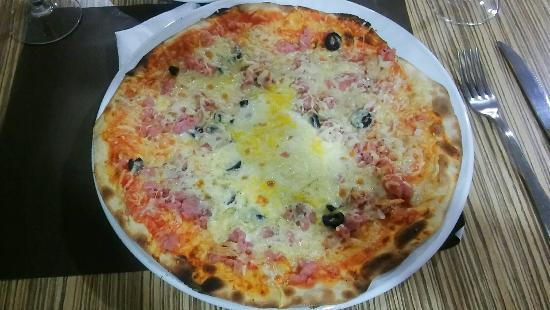 Pizzeria & Restaurante La Gondola