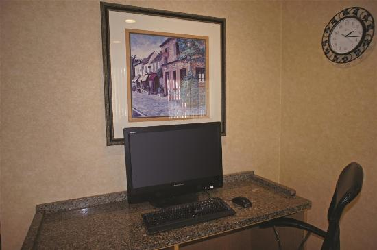 La Quinta Inn & Suites Tampa Fairgrounds - Casino: business center