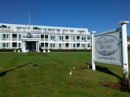 The Atlantic House 85 Ocean Road Narragansett Ri 02882