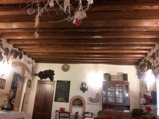 Cavaso del Tomba, Italia: Sala da pranzo.