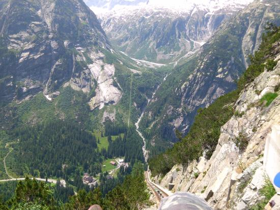 Innertkirchen, สวิตเซอร์แลนด์: View from cable railway