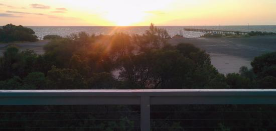 Marion Bay Seaside Apartments: Marion Bay Jetty from the room