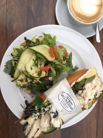 Courtyard Cafe: Chicken baguette and Zucchini blue cheese salad