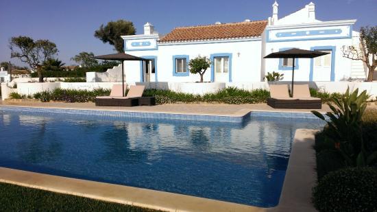 Moncarapacho, Portugalia: 1ére Piscine et Maison