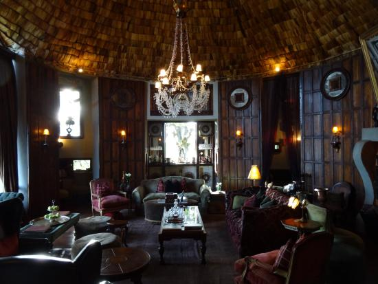 andBeyond Ngorongoro Crater Lodge: Lodge lounge