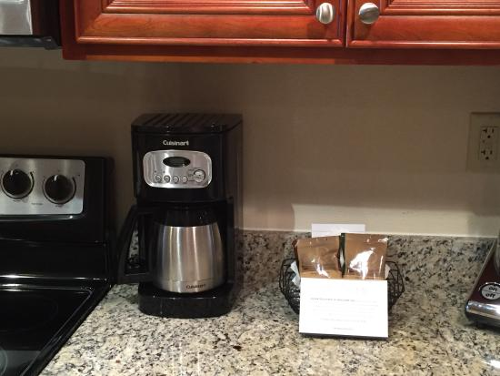 Polynesian Isles Resort: Coffee available