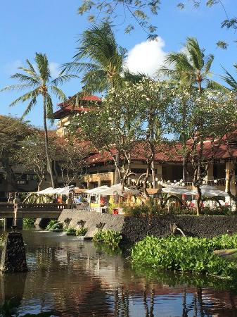 INTERCONTINENTAL Bali Resort: Wonderful breakfast buffet location