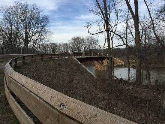 Piqua, OH: New bridge for hikers/bikers