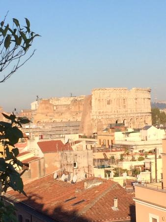 Hotel Lancelot: View of the Colloseum