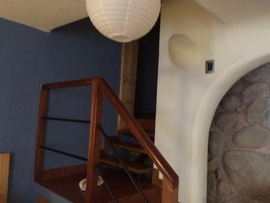 Quinua Villa Boutique: Stairs to Bathroom