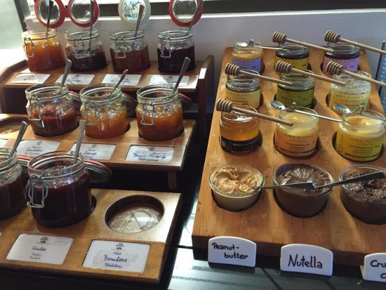 Silvaplana, سويسرا: Choices!