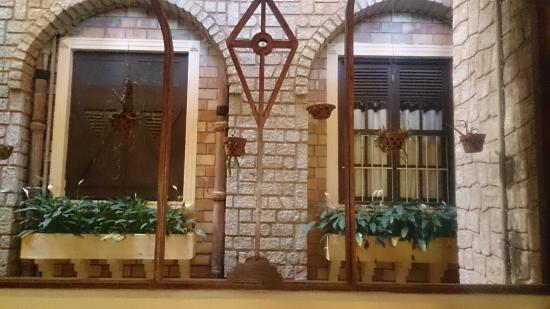Saphir Dalat Hotel: Lan can phòng, tầng hầm