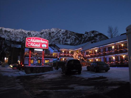 Matterhorn Motel : Christmas Decorations
