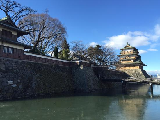 Takashima Castle: お堀と天守閣