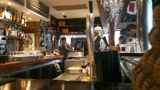 The Lord Nelson Brewery Hotel: Old English Pub down under