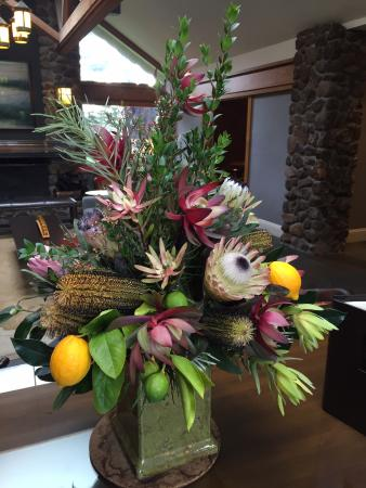 Bodega Bay Lodge: Reception/checkin, wine and cheese room