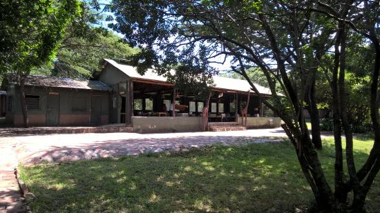 Mara Springs Safari Camp: View towards main building