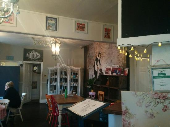 Chart Sutton, UK: Lovely food, coffee, surroundings and friendly owners