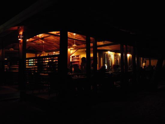 Maya Beach Hotel: Bistro
