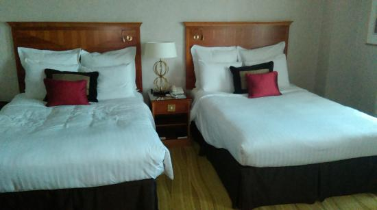 London Marriott Hotel Kensington 2 Double Beds
