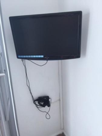Iliovasilema Suites: Modern tv