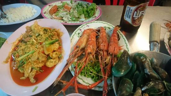 Myhotel Cmyk@Ratchada: 附近夜市好吃又新鮮的海鮮