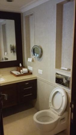 The Claridges Nabha Residence, Mussoorie: Bathroom