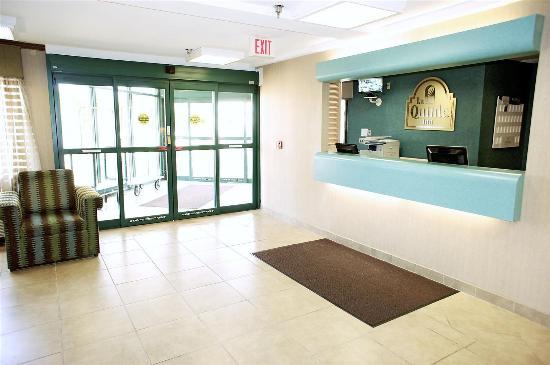 La Quinta Inn Wausau: Lobby view