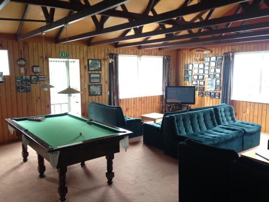 Sportsmans Lodge: photo1.jpg