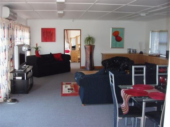 Addo, Sudáfrica: Large Lounge with sleeper Sofa
