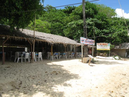 By The Sea: Бюджетные кафе на пляже рядом с отелем