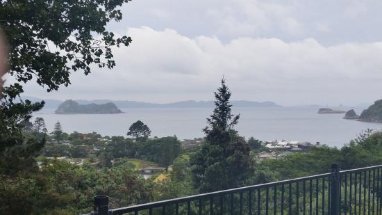 Ocean Pacific Apartments : The view