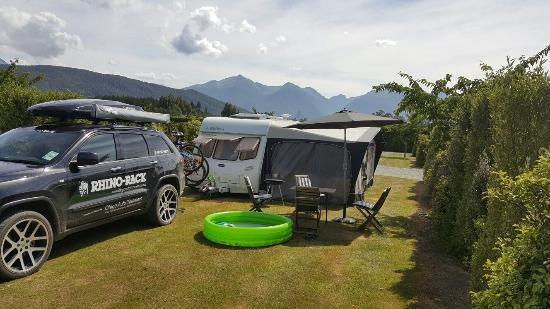 Manapouri Motorhome & Caravan Park: 20160102_162605_large.jpg