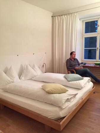 Hotel Schloss Wartegg : camera nr. 108 primo piano vista parco