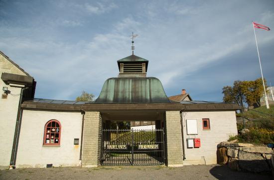 Gran Municipality, Norge: Inngangsparti