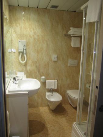 Corvetto Residence Porto Di Mare: Bagno confortevole