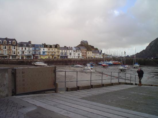 Ilfracombe, UK: Far end of the Harbour.