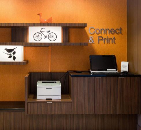 Fairfield Inn & Suites Des Moines West: Business Center