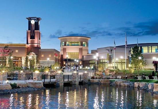 Fairfield Inn & Suites Des Moines West: Jordan Creek Mall