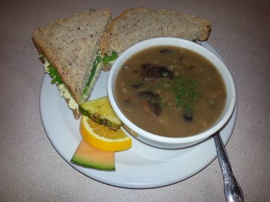 Petrolia, Canadá: Soup and sandwich